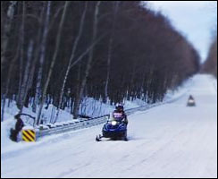 winter_snowmobiler